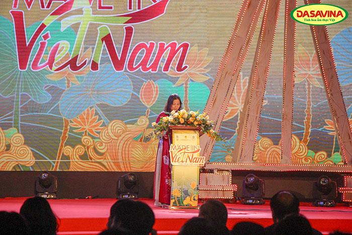 Bà Trần Thị Phương Lan – Phó Giám đốc sở Công Thương TP. Hà Nội phát biểu tại buổi khai mạc