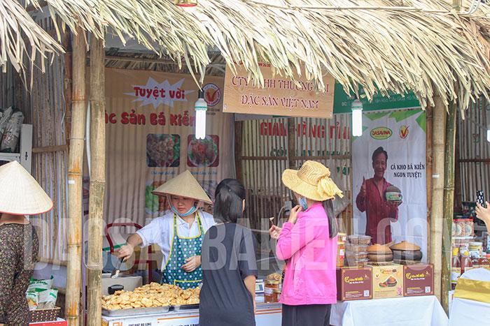 Gian hàng Chả mực Bá Kiến - Công ty TNHH Thương mại Đặc sản Việt Nam