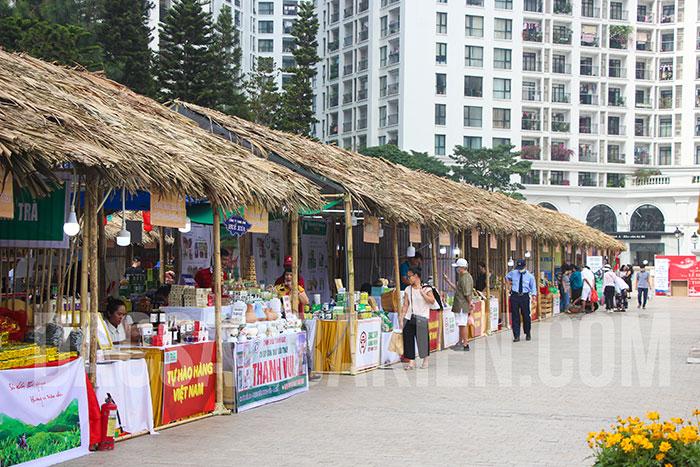 Hội chợ thu hút nhiều gian hàng tham gia